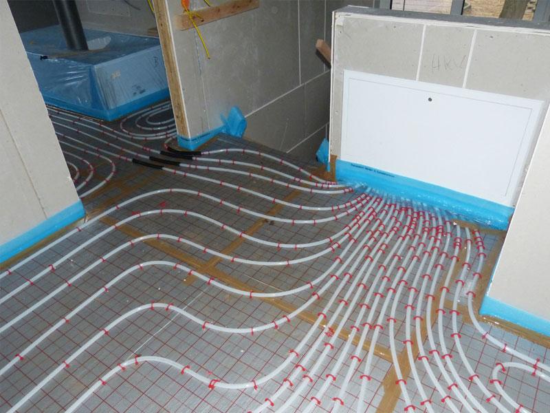 Fußboden Estrich Verlegen ~ Die fußbodenheizung nachträgliche installation und sanierung