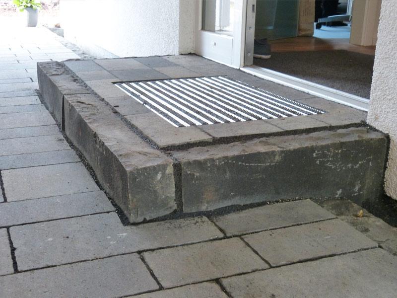gartengestaltung pflasterung einfahrt terrasse. Black Bedroom Furniture Sets. Home Design Ideas