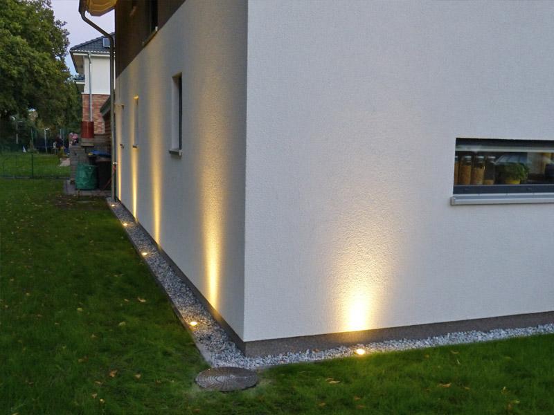gartengestaltung restarbeiten zaun kiesbett mit beleuchtung hochbeet suckf ll bautagebuch. Black Bedroom Furniture Sets. Home Design Ideas